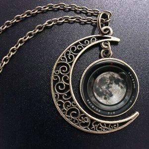 🌜New🌜 Midnight Moon Pendant Necklace